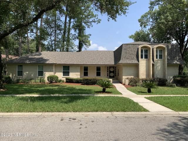 5325 Oak Bay Dr E, Jacksonville, FL 32277 (MLS #1113682) :: The Hanley Home Team