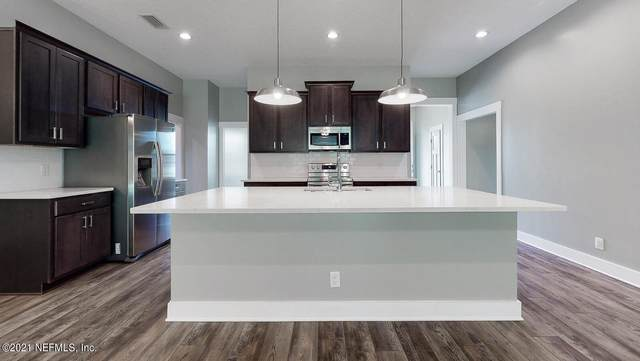 1099 Southern Hills Dr, Orange Park, FL 32065 (MLS #1113857) :: The Volen Group, Keller Williams Luxury International