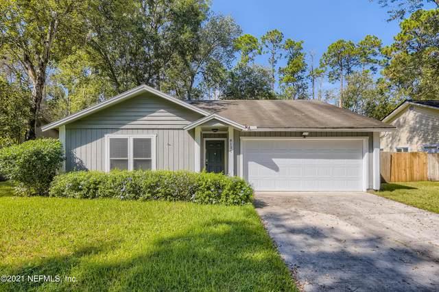 8136 Honeysuckle Ln, Jacksonville, FL 32244 (MLS #1136670) :: The Hanley Home Team