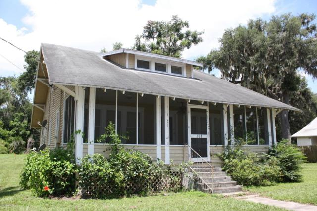 208 S Summit St, Crescent City, FL 32112 (MLS #905168) :: Florida Homes Realty & Mortgage