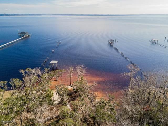 4661 Raggedy Point Rd, Fleming Island, FL 32003 (MLS #916399) :: Bridge City Real Estate Co.