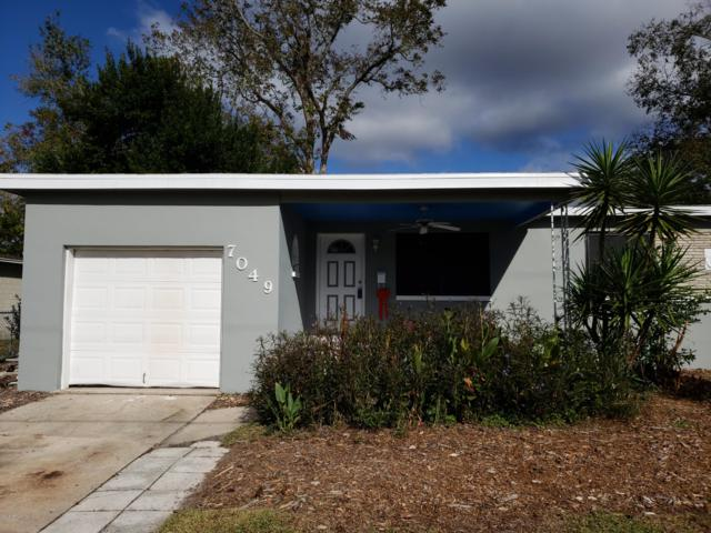 7049 Hielo Dr, Jacksonville, FL 32211 (MLS #970370) :: Ancient City Real Estate