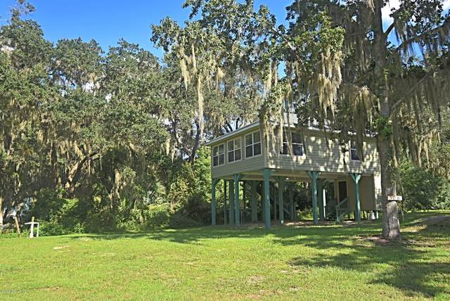 308 Riviera Dr, Crescent City, FL 32112 (MLS #1061490) :: The Newcomer Group