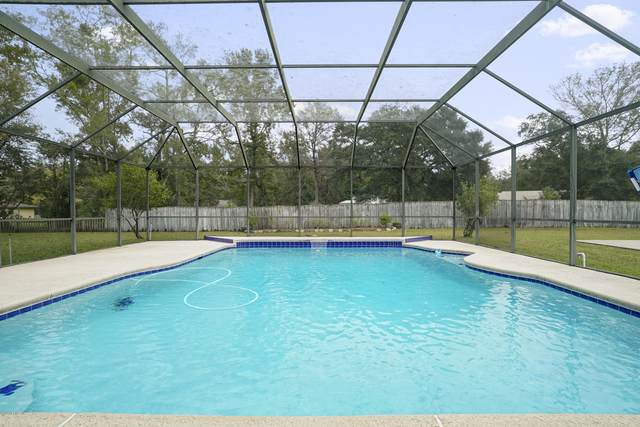 14875 Cape Dr E, Jacksonville, FL 32226 (MLS #1078138) :: The Newcomer Group