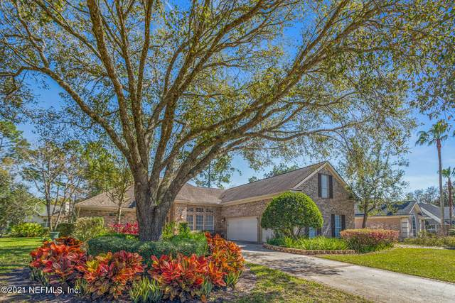 10059 Chester Lake Rd E, Jacksonville, FL 32256 (MLS #1098295) :: EXIT Real Estate Gallery