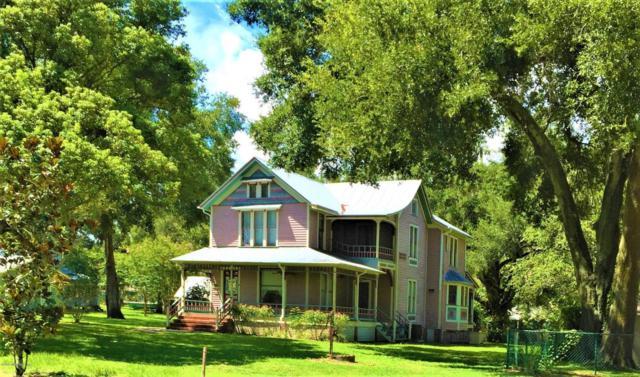 210 Palmetto Ave, Crescent City, FL 32112 (MLS #886063) :: EXIT Real Estate Gallery