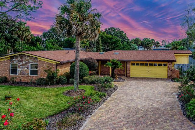 4105 Tradewinds Dr, Jacksonville, FL 32250 (MLS #973355) :: The Hanley Home Team