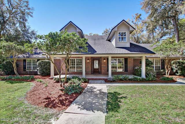 9979 Ridgefield Dr, Jacksonville, FL 32257 (MLS #1098198) :: The Hanley Home Team