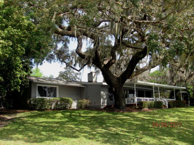 10 North St, Welaka, FL 32193 (MLS #875280) :: RE/MAX WaterMarke