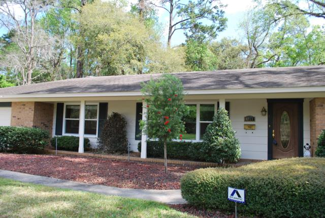 4911 Water Oak Ln, Jacksonville, FL 32210 (MLS #969054) :: The Hanley Home Team