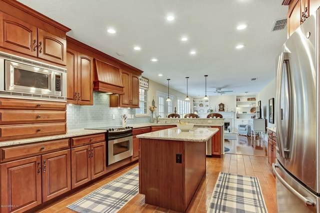 10226 Heather Glen Dr, Jacksonville, FL 32256 (MLS #1055325) :: Homes By Sam & Tanya