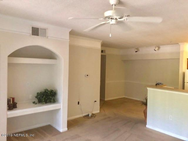 8550 Touchton Rd #326, Jacksonville, FL 32216 (MLS #1000957) :: EXIT Real Estate Gallery