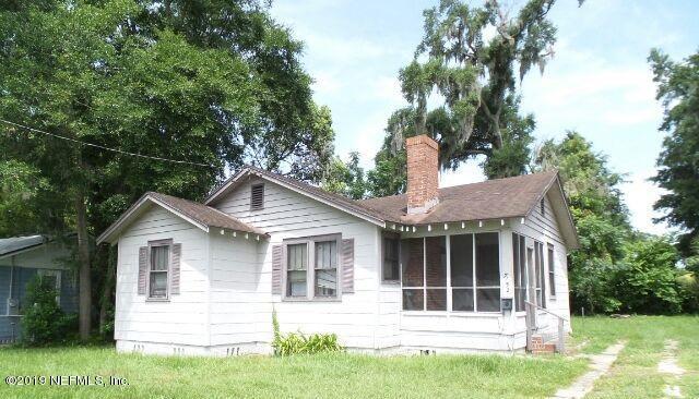 7152 Lucky Dr W, Jacksonville, FL 32208 (MLS #1006557) :: The Hanley Home Team