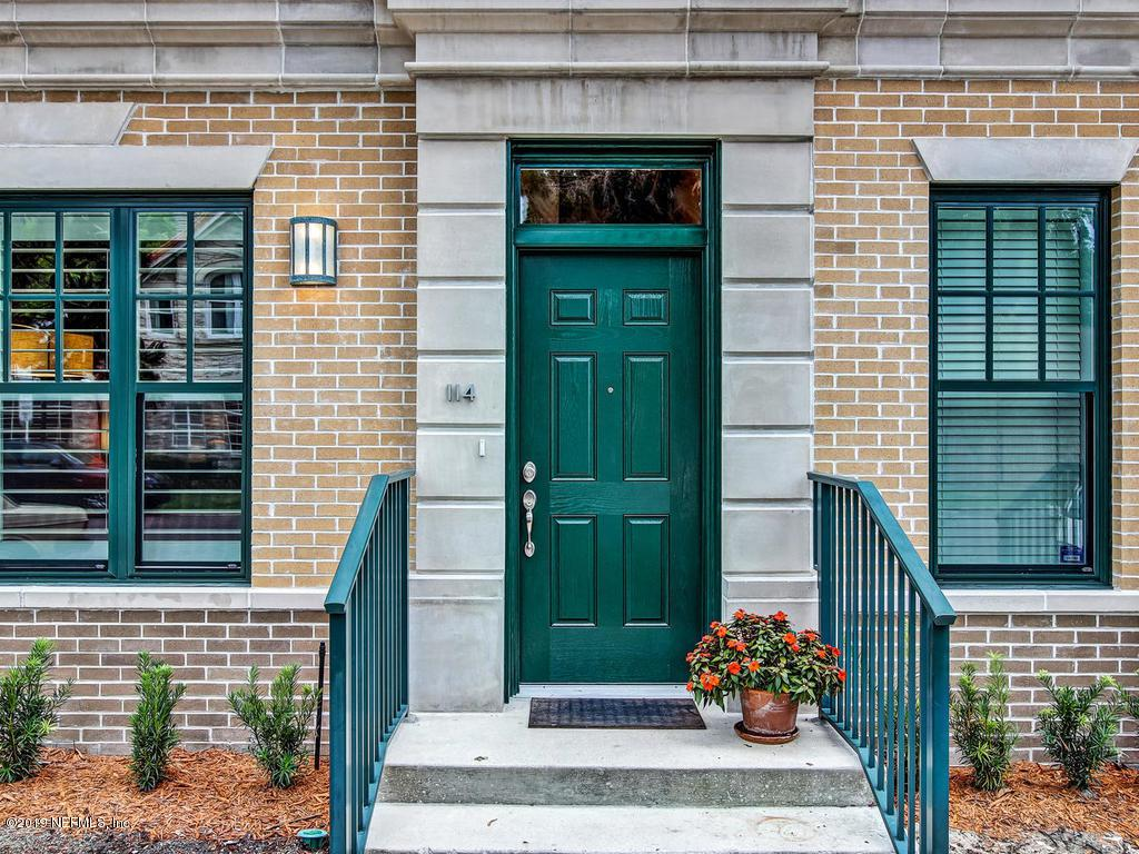1661 Riverside Ave - Photo 1