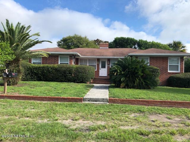 324 Myrtle St, Neptune Beach, FL 32266 (MLS #1009698) :: The Hanley Home Team