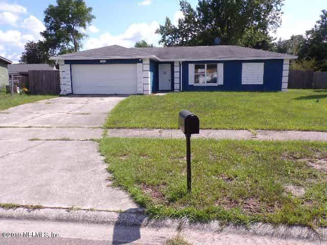 8136 Chaucer Ct, Jacksonville, FL 32244 (MLS #1013847) :: The Hanley Home Team