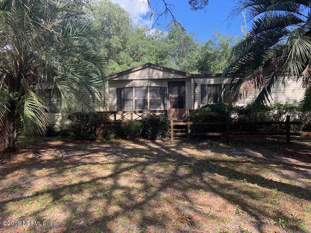 106 Lily Dr, Interlachen, FL 32148 (MLS #1023205) :: The Hanley Home Team