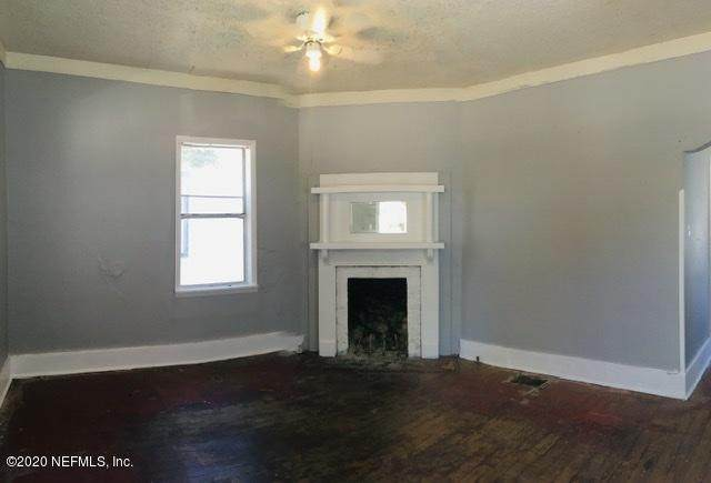 137 W 21ST St, Jacksonville, FL 32206 (MLS #1047307) :: CrossView Realty