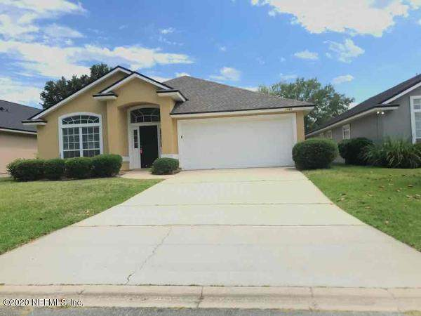 1460 Greenway Pl, Orange Park, FL 32003 (MLS #1055130) :: Berkshire Hathaway HomeServices Chaplin Williams Realty