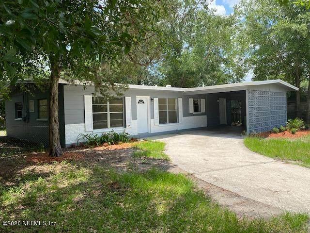 5827 Hillman Dr, Jacksonville, FL 32244 (MLS #1061177) :: The DJ & Lindsey Team