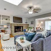 3863 San Bernado Dr, Jacksonville, FL 32217 (MLS #1061421) :: The Volen Group, Keller Williams Luxury International
