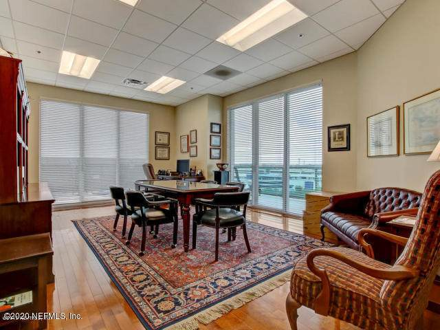1431 Riverplace Blvd #910, Jacksonville, FL 32207 (MLS #1066432) :: The DJ & Lindsey Team