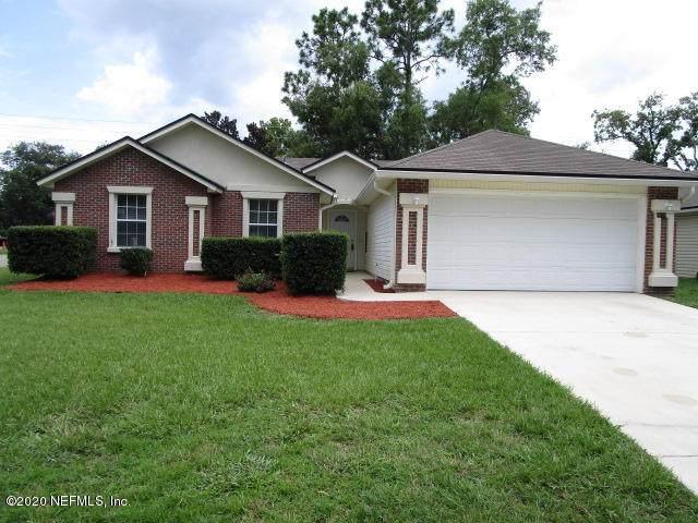 7908 Collins Bay Ct, Jacksonville, FL 32244 (MLS #1066627) :: CrossView Realty