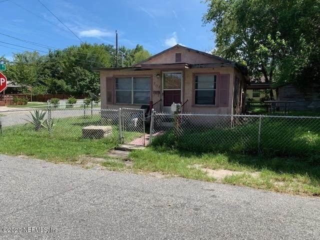 701 4TH St, St Augustine, FL 32084 (MLS #1066937) :: Memory Hopkins Real Estate