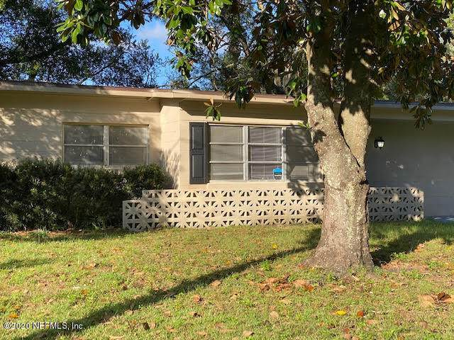7151 Karenita Dr, Jacksonville, FL 32210 (MLS #1082819) :: The Newcomer Group