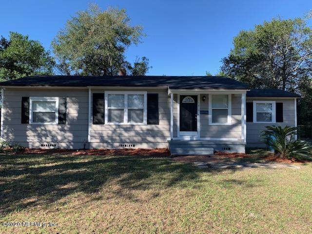 7818 Tory Pl W, Jacksonville, FL 32208 (MLS #1084826) :: The Newcomer Group
