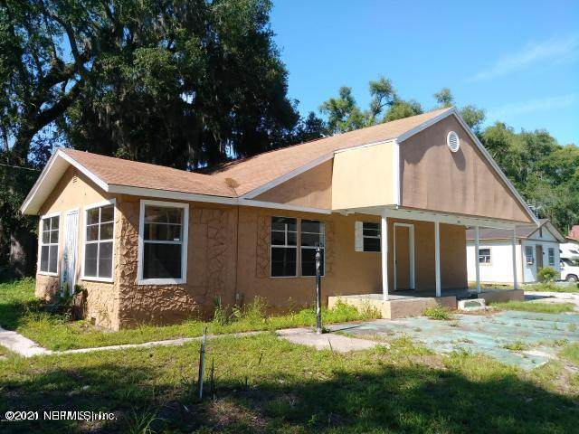 1903 Railroad Ave S, Orange Park, FL 32073 (MLS #1089044) :: The Coastal Home Group