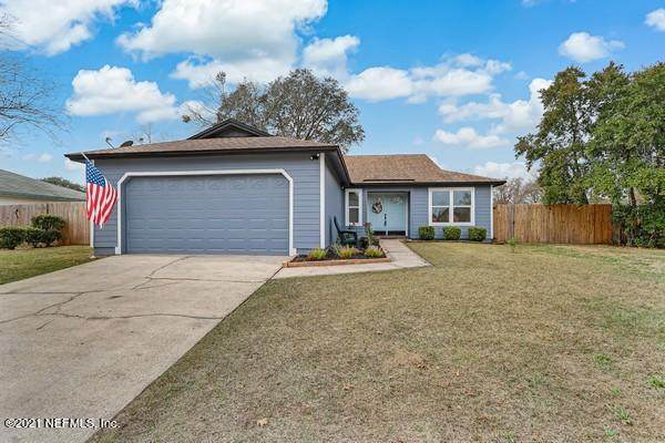 8446 Sand Point Dr W, Jacksonville, FL 32244 (MLS #1090758) :: The Perfect Place Team
