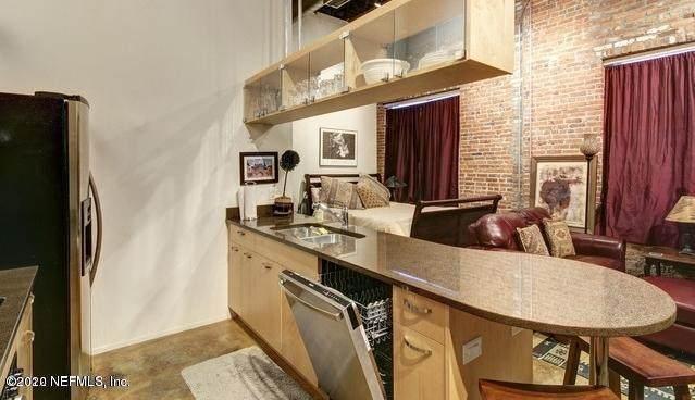 1050 Hendricks Ave #104, Jacksonville, FL 32207 (MLS #1093856) :: Berkshire Hathaway HomeServices Chaplin Williams Realty