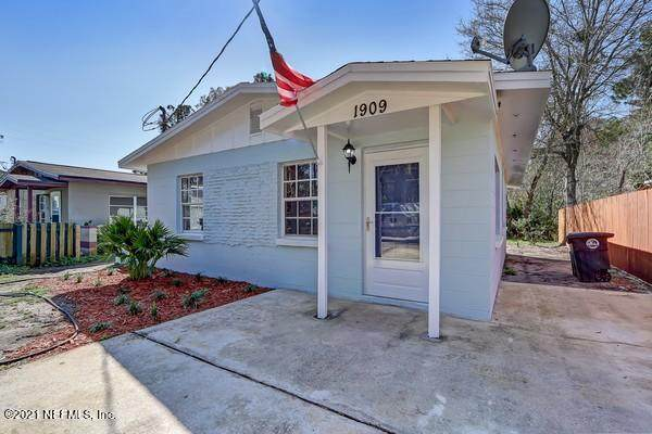 1909 Mealy St, Atlantic Beach, FL 32233 (MLS #1095504) :: The Coastal Home Group