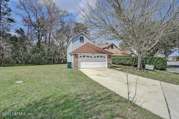 2858 W Lantana Lakes Dr, Jacksonville, FL 32246 (MLS #1095883) :: The Coastal Home Group