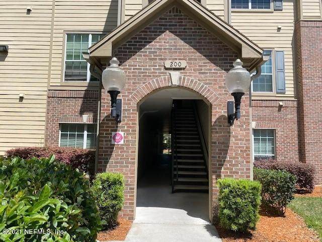 7800 Point Meadows Dr #237, Jacksonville, FL 32256 (MLS #1102809) :: The Newcomer Group