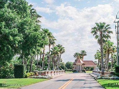 11 N Old Oak Dr, Palm Coast, FL 32137 (MLS #1105128) :: Bridge City Real Estate Co.