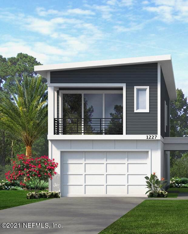1227 4TH St N, Jacksonville Beach, FL 32250 (MLS #1105561) :: The Volen Group, Keller Williams Luxury International