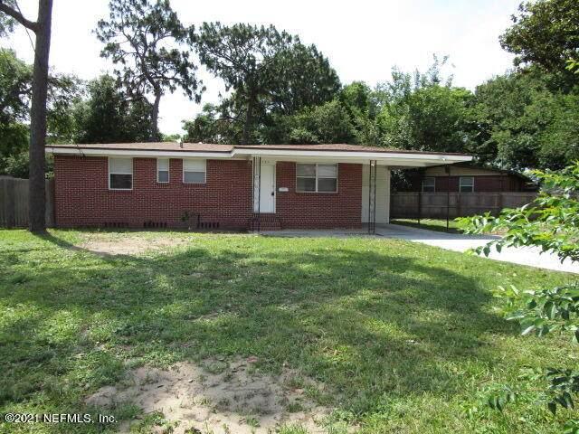 2735 Columbine Dr, Jacksonville, FL 32211 (MLS #1109823) :: Olde Florida Realty Group