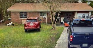7457 Jade Dr N, Jacksonville, FL 32210 (MLS #1111591) :: The Every Corner Team