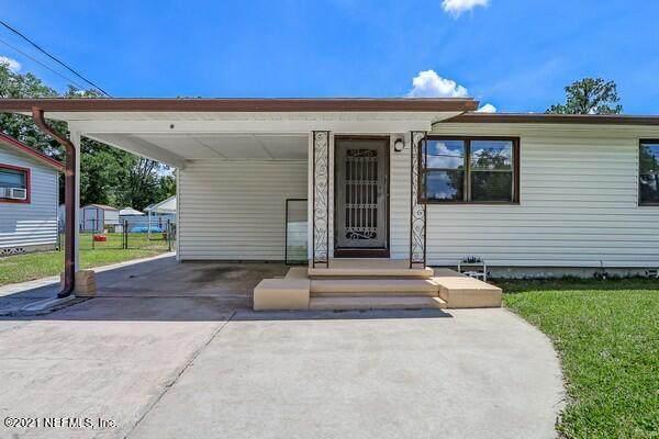 7337 Warner Dr, Jacksonville, FL 32244 (MLS #1111672) :: The Huffaker Group