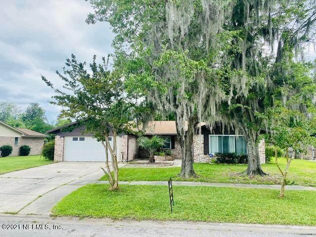 1749 Horton Dr, Orange Park, FL 32073 (MLS #1115228) :: The Hanley Home Team
