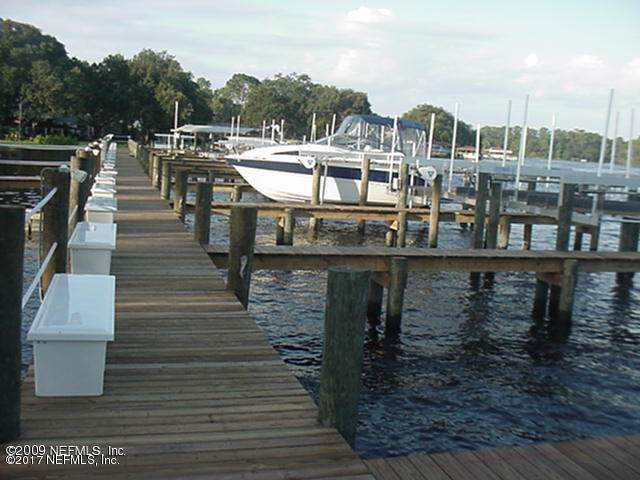 1307 River Hills Cir E #10, Jacksonville, FL 32211 (MLS #1115418) :: The Every Corner Team