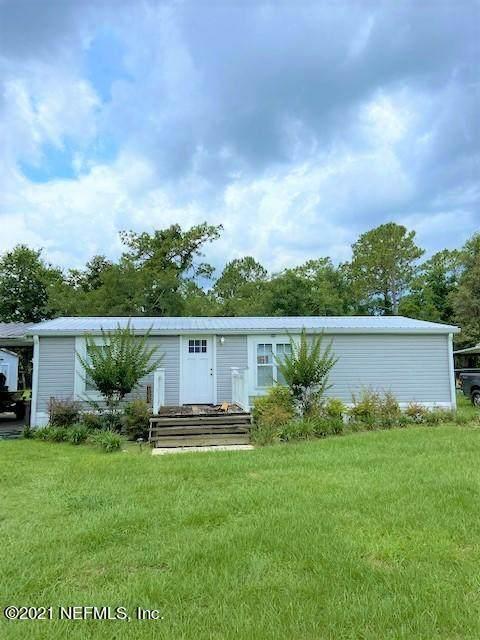107 Horse Landing Rd, Satsuma, FL 32189 (MLS #1116776) :: The Volen Group, Keller Williams Luxury International