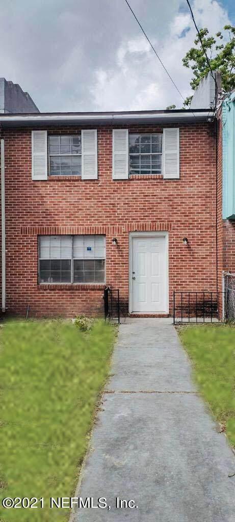 4543 Moncrief Rd, Jacksonville, FL 32209 (MLS #1119490) :: The Randy Martin Team | Watson Realty Corp