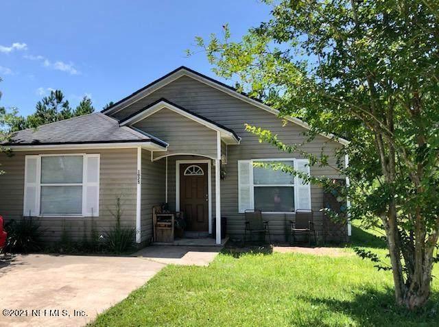 1025 Avery St, St Augustine, FL 32084 (MLS #1121024) :: The Huffaker Group