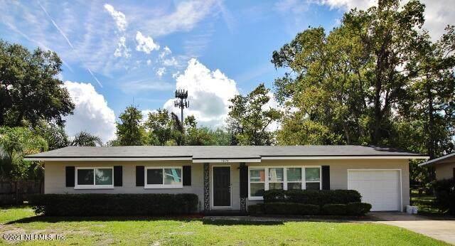 5824 Yellow Pine Dr, Jacksonville, FL 32277 (MLS #1122147) :: 97Park