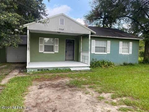 705 Linda Dr, Jacksonville, FL 32208 (MLS #1122939) :: EXIT 1 Stop Realty