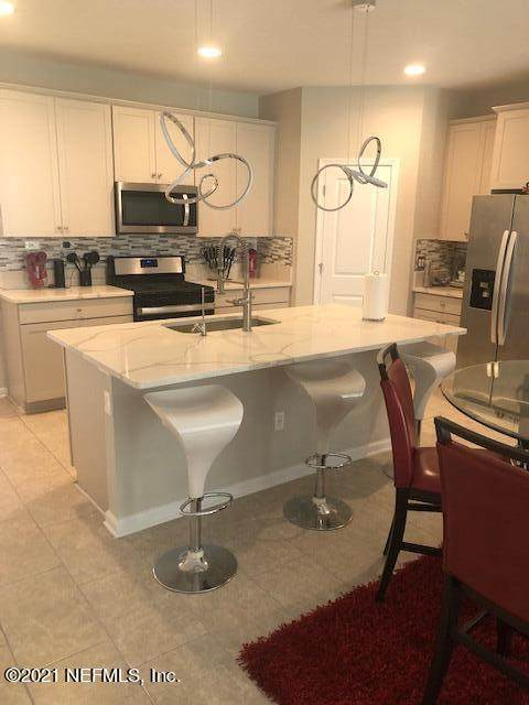 11276 Minnetta Ct, Jacksonville, FL 32256 (MLS #1127203) :: Bridge City Real Estate Co.