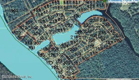 445 Hamilton Rd, Satsuma, FL 32189 (MLS #1127260) :: The Huffaker Group